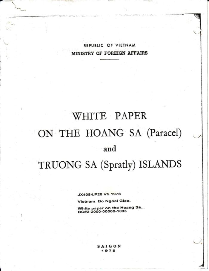 Trang bìa bản chụp bản gốc cuốn Bạch thư về Hoàng Sa và Trường Sa do Bộ Ngoại giao Việt Nam Cộng Hoà công bố năm 1975.